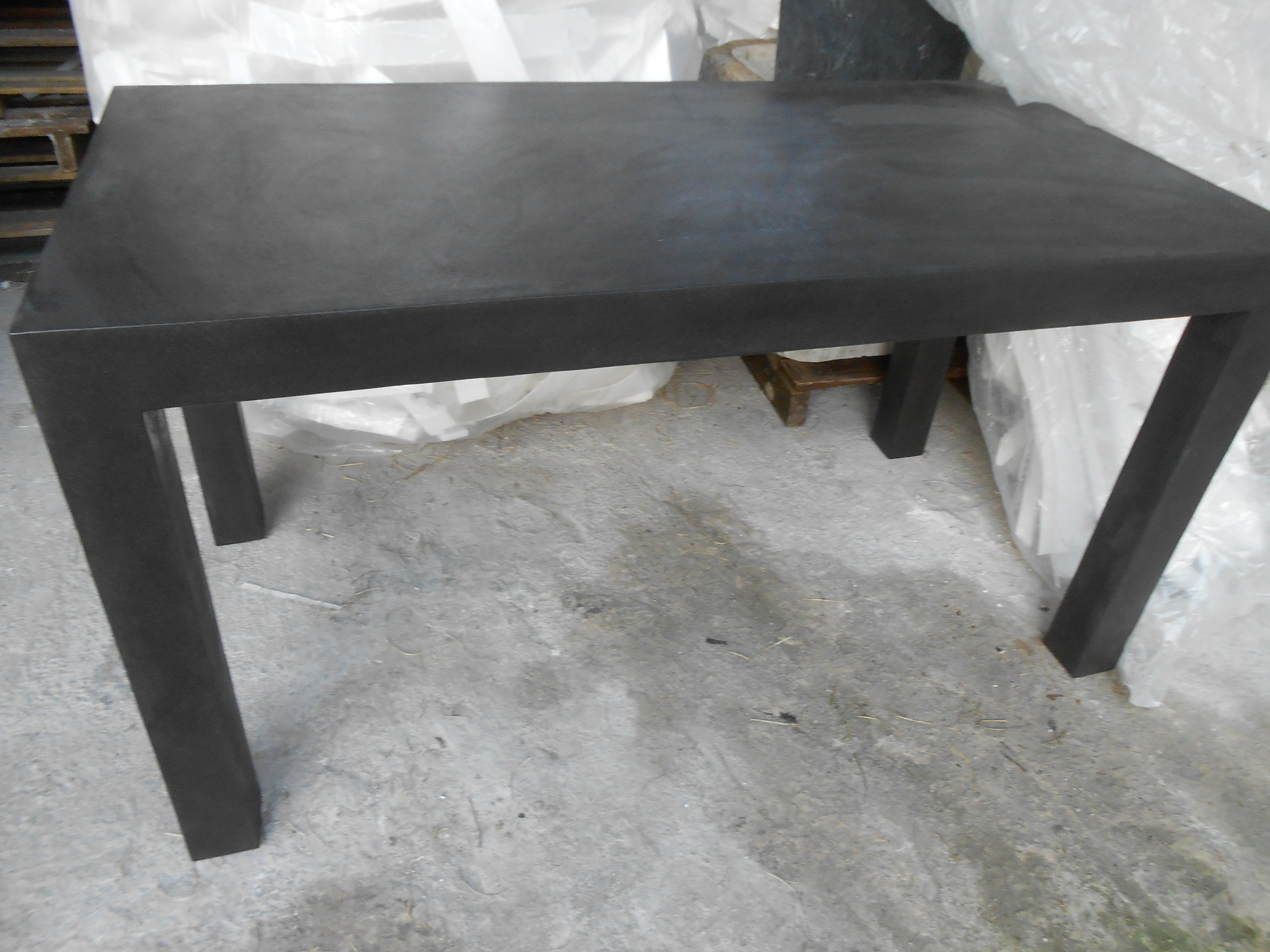 Tavolo in cemento alleggerito